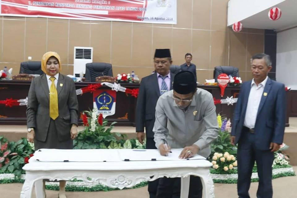 DPRD Boltim Paripurnakan APBD Perubahan Tahun Anggaran 2018
