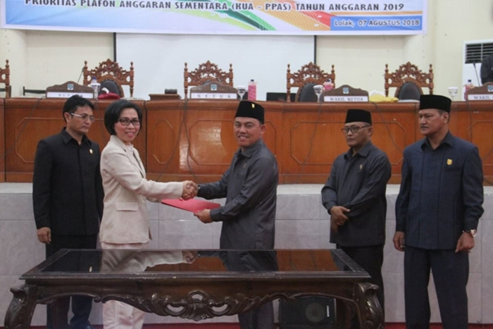 DPRD Bolmong Tetapkan LKPJ APBD 2017 Menjadi Perda