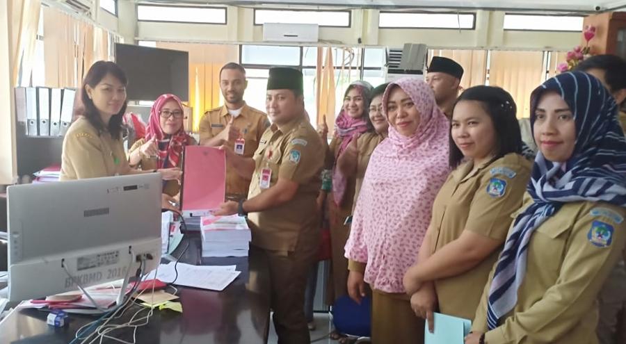 Bolsel Daerah Pertama Serahkan Ranperda APBD Perubahan ke Pemprov