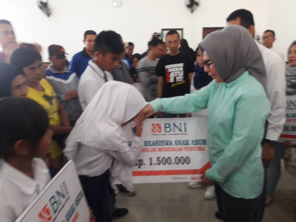 Pemkot Kotamobagu Serahkan Bantuan Untuk 6.732 Anak Asuh