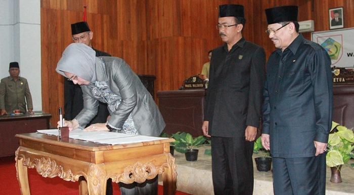 DPRD Paripurnakan LKPJ Wali Kota
