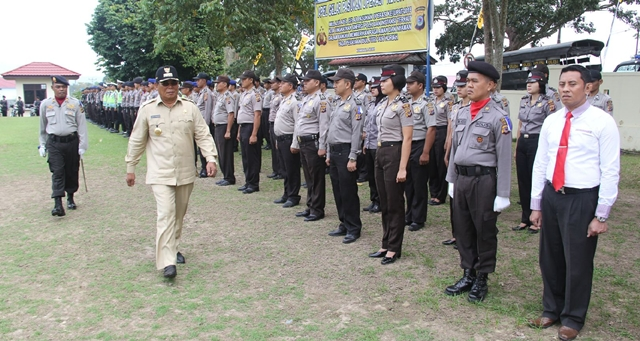Bupati Pimpin Apel Gelar Pasukan Pengamanan Ketupat