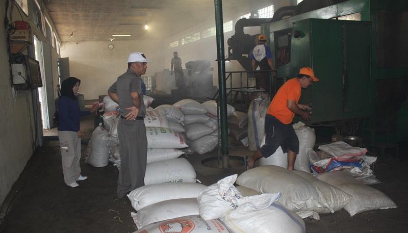 BLH Bolmong Temukan Kejanggalan di Tempat Pembuatan Kopi Bubuk