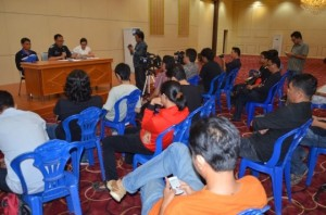 Suasana komprensi pers di Aula Kantor Gubernur Sulut