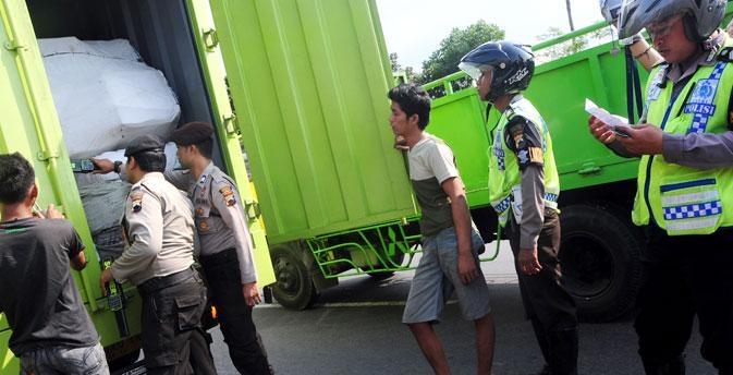 Lintas Instansi Bolmong Sweeping Obat dan Makanan Illegal