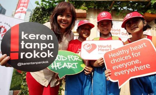 Hari Jantung Sedunia, Buklet Kesehatan Jantung Dibagi di Sekitar Monas