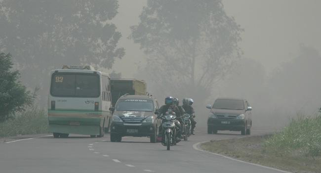 Pemerintah Indonesia Terima Bantuan Singapura Tangani Kabut Asap