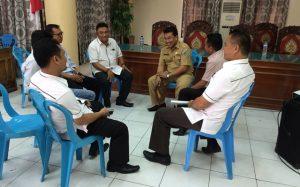 Komisioner KPUD Bolmong saat pertemuan dengan Pihak Pemkab