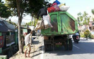 Mobil pengangkut sampah Kotamobagu