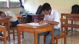Peserta Ujian Nasional SLB