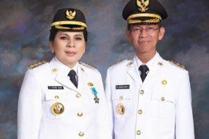 Walikota dan Wakil Wali kota Kotamobagu Ir Hj Tatong Bara dan Drs Hi DJainuddin Damopolii