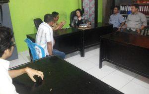 : Ketua KPU Provinsi Yessy Momongan S Th MM, DR Ardiles Mewoh, Zulkifli Golonggom S Pd I, bersama Wakil Bupati Bolmong, Ronny Yanni Tuuk S Th, dan KPU Bolmong, dalam pertemuan di Kantor Bupati Bolmong