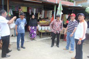 Tim Dewan Adipura yang didampingi tim Pemkot Kotamobagu saat berada di Pasar Poyowa Kecil