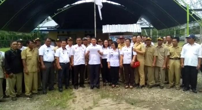 Camat, Kapolsek serta Para Kades di Kecamatan Dumoga Tengah Deklarasi Anti Hoax