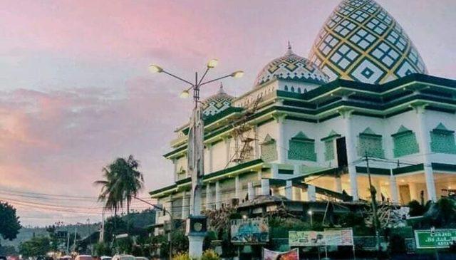 Progres Pemasangan Marmer Masjid Agung Baitul Makmur Capai 60 Persen