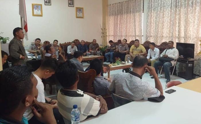 Petani Kelapa Sawit Bolmong Demo Tolak Perusahaan Menanam di Lahan Produktif