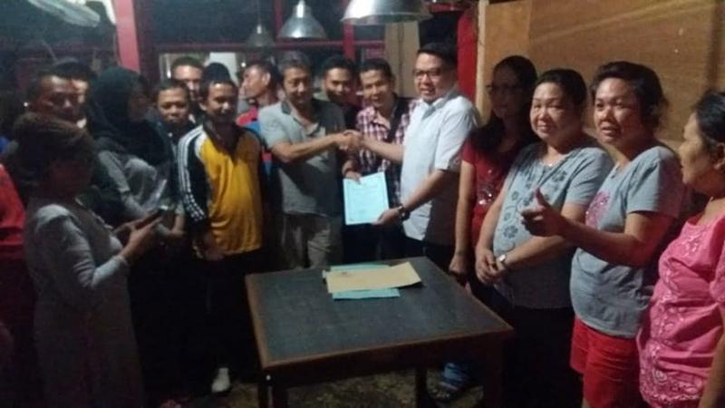 Nasrun Koto Bantu Kelompok Tani dan Nelayan Gratiskan Akta Notaris
