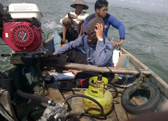 Nelayan Pantura Bolmong Terima Bantuan Mesin Katinting