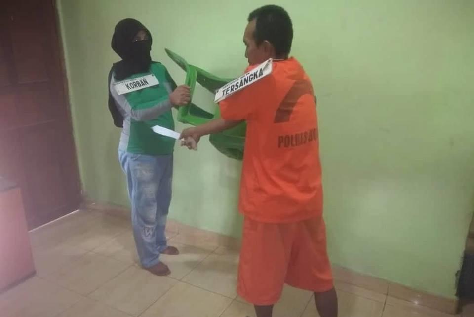 Polisi Rekontruksi Kasus Pembunuhan Suami Bunuh Istri Asal Desa Ayong