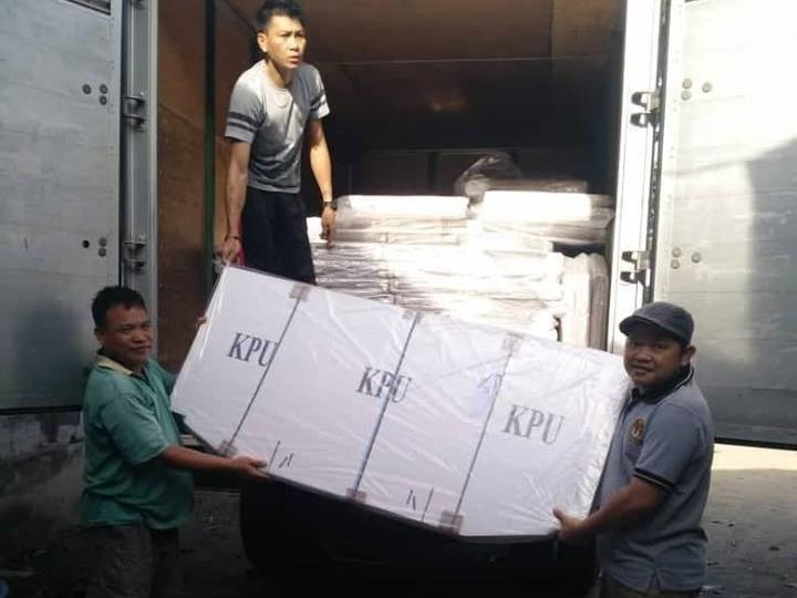KPU Boltim Menerima 920 Bilik Suara Untuk Pemilu 2019