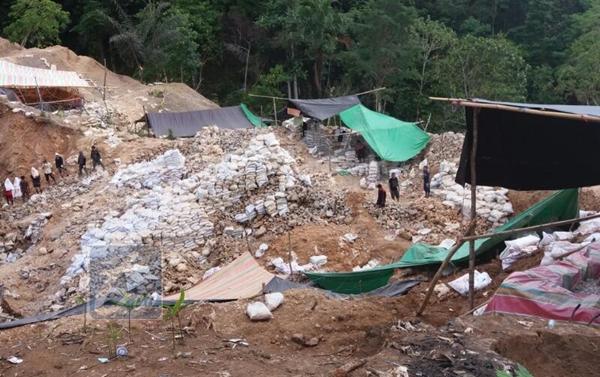 Kembali, Pekerja Tambang Ilegal Bakan Dikabarkan Tertimbun Material
