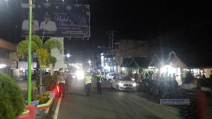 Menghindari Dari Razia, Pengendara Motor Nyaris Tabrak Sejumlah Polisi