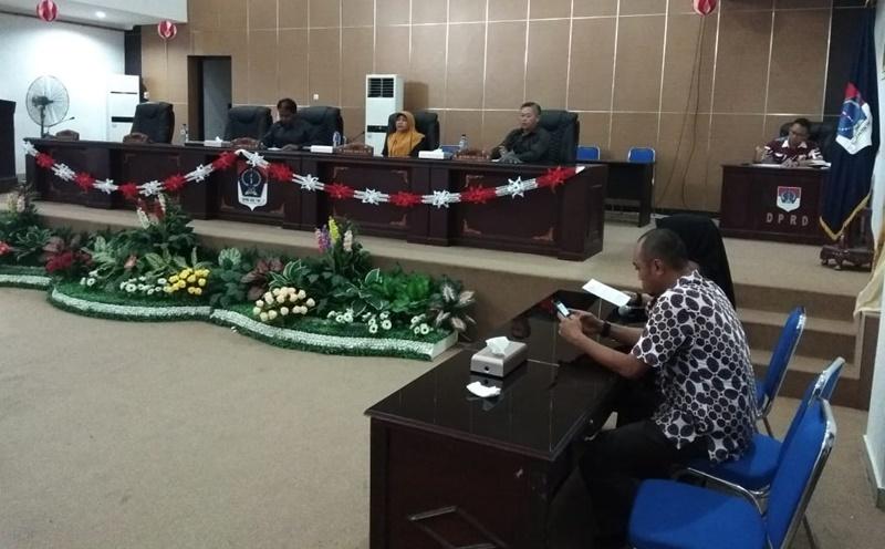 DPRD Boltim Paripurna  Tutuo Masa Sidang Ketiga 2018