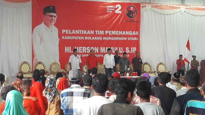 Dua Ribu Relawan Herson Mayulu di Kabupaten Bolmut Dilantik
