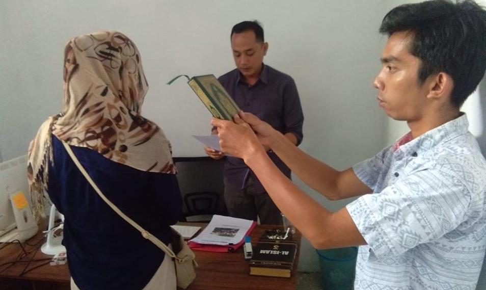 Foto Bersama Caleg, Bawaslu Kotamobagu Periksa Sembilan PNS