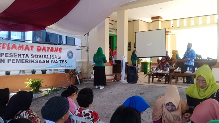Dinkes Boltim dan BKKBN Deteksi Kanker Serviks Kepada Ratusan Ibu di Dua Kecamatan
