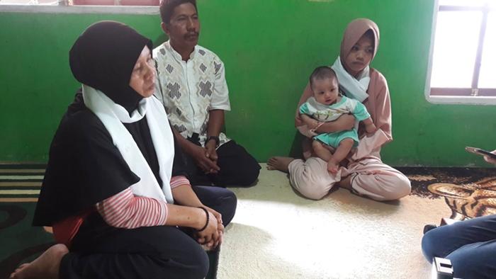 Kisah Irma dan Bayinya Yang Ditinggal Suami Korban Tambang Bakan