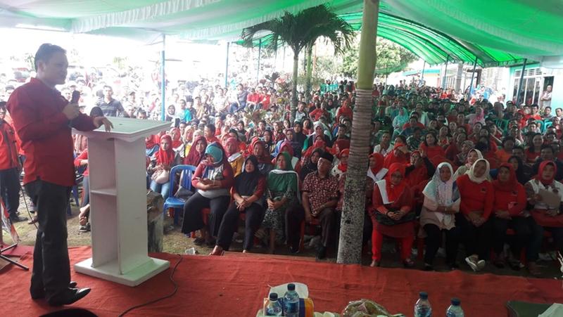 "Di Hadapan Ribuan Relawan dan Simpatisan, Yanny Tuuk ""Jual"" Herson Mayulu"