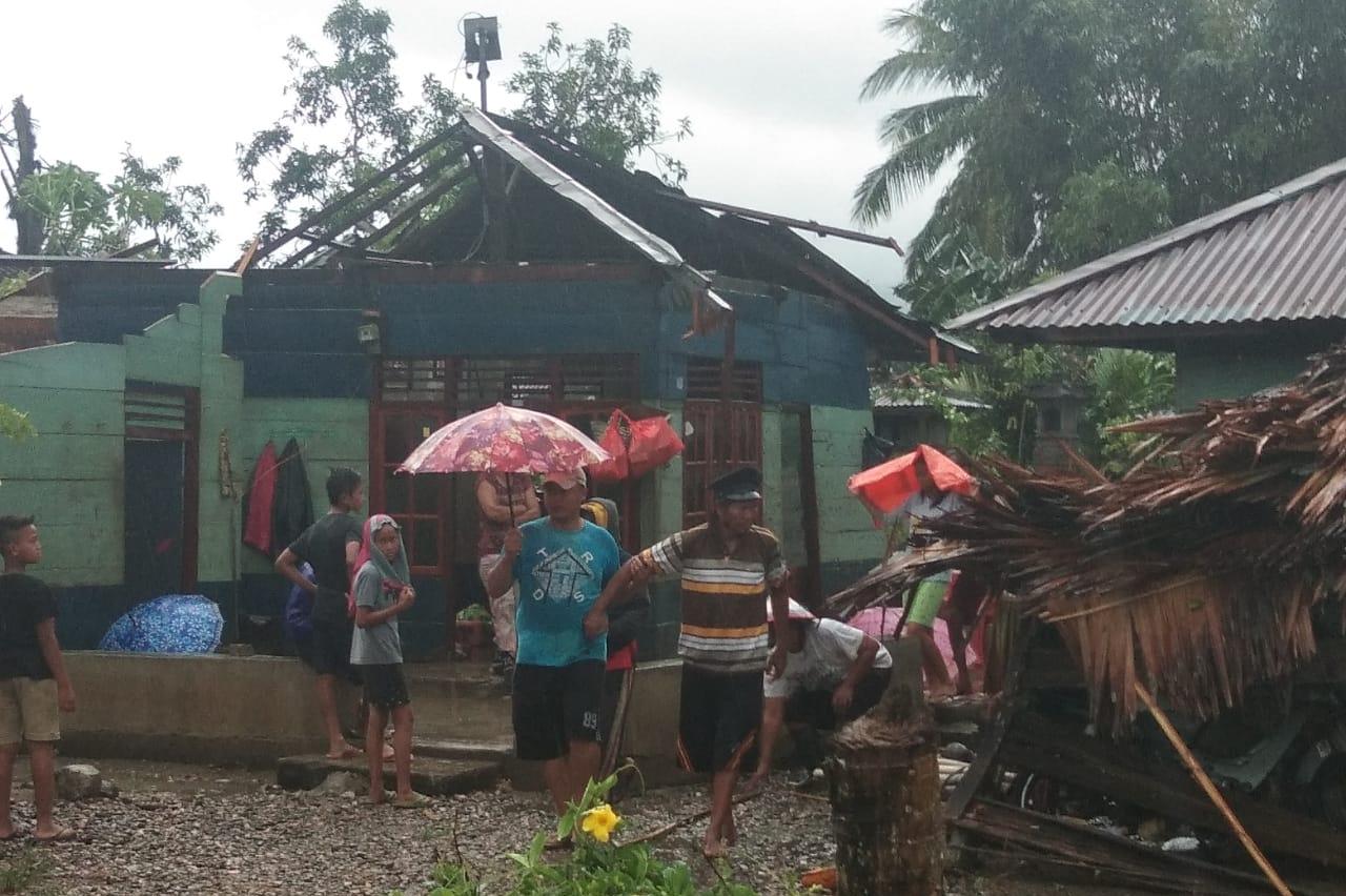 Puluhan Rumah di Kecamatan Dumoga Timur Rusak Diterjang Puting Beliung
