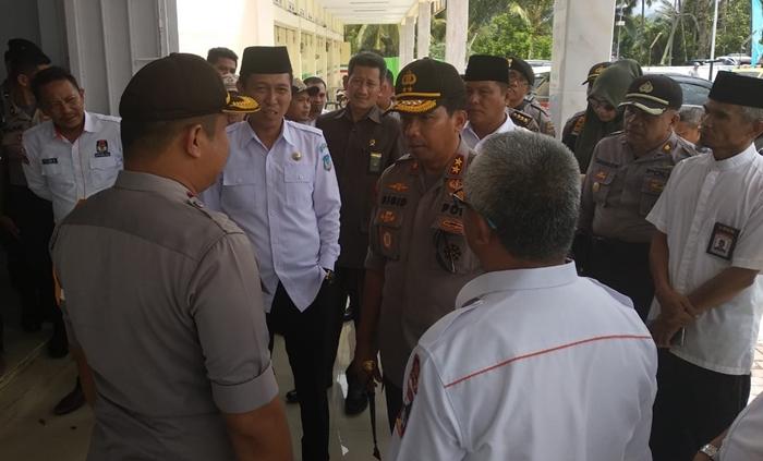 Kapolda Sulut Cek Kondisi Petugas PPK di Kabupaten Bolsel