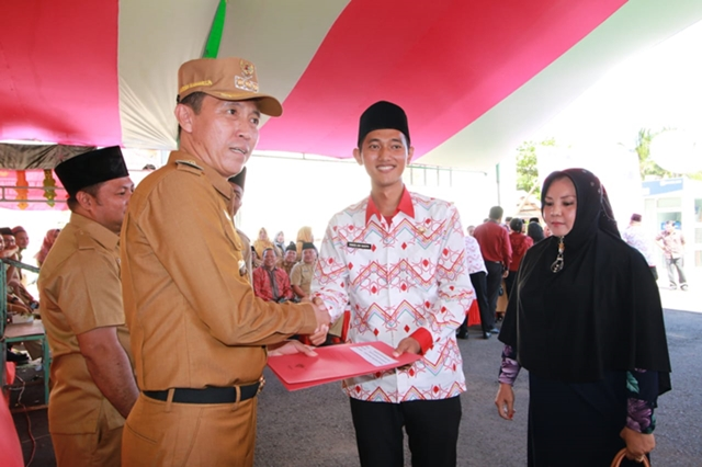 Bupati Bolsel Serahkan SK Untuk 234 CPNS