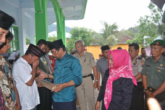 """Kelompok Nelayan di Boltim """"Banjir"""" Bantuan"""