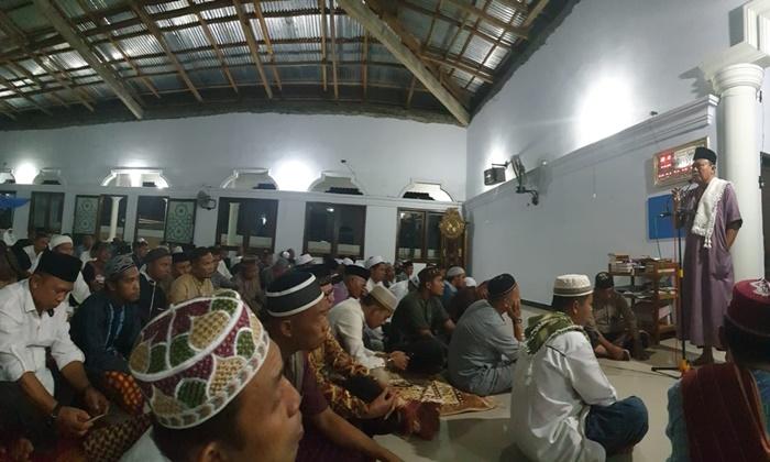 Bupati Bolsel Bersama LPTQ Sulut Buka Puasa di Desa Momalia