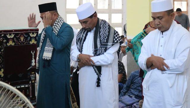 Bupati Boltim Shalat Idul Fitri di Masjid Nur Jannah Tutuyan