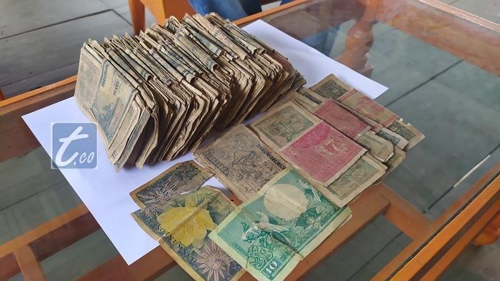 Warga Kopandakan Temukan Uang Kertas Cetakan Tahun 1950