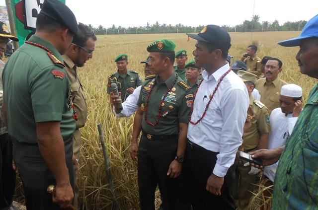 Menteri Pertanian dan KASAD AD