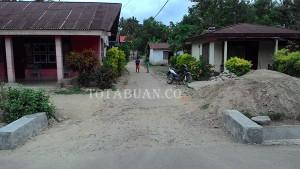 Tampak jalan setapak di Kelurahan Pobundayaan yang akan segera diperbaiki