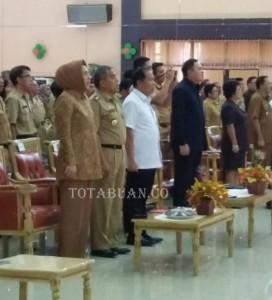 Wali Kota Kotamobagu ir Hj Tatong Bara saat ikut dalam Rapat Evaluasi Hasil Pelaksanaan Rencana Kerja Pemerintah Daerah (RKPD) Kabupaten  Kota