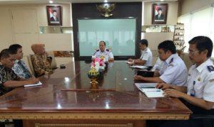 Wali Kota Tatong Bara saat peertemuan dengan Dirjen Perhubungan RI
