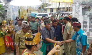 Bupati Salihi Setibanya di Lokasi Perayaan Hari Raya Nyepi.