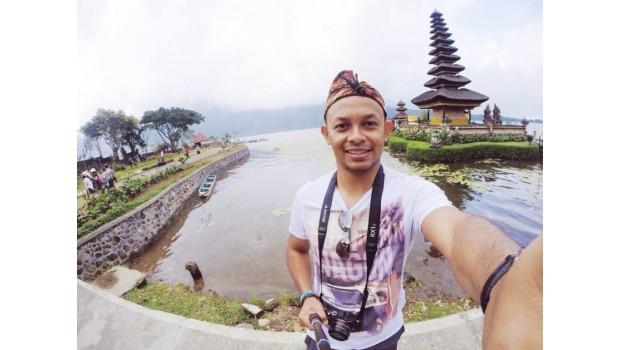 Liburan Gratis Ke Luar Negeri, Dibayarin Cuma Pakai Selfie. Mau?