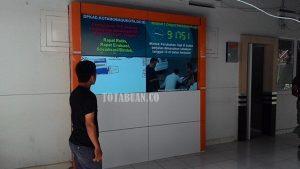 Layar Digital Transparan di DPKKAD Kotamobagu. (f-rez/tco)