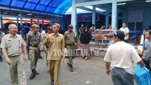 Wawali Jainuddin Damopolii Saat Turun Langsung ke Pasar 23 Maret.